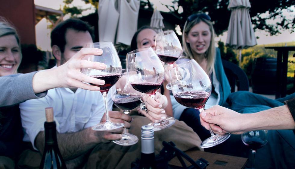 ما لا تعرفونه عن عالم النّبيذ...نخبكم!
