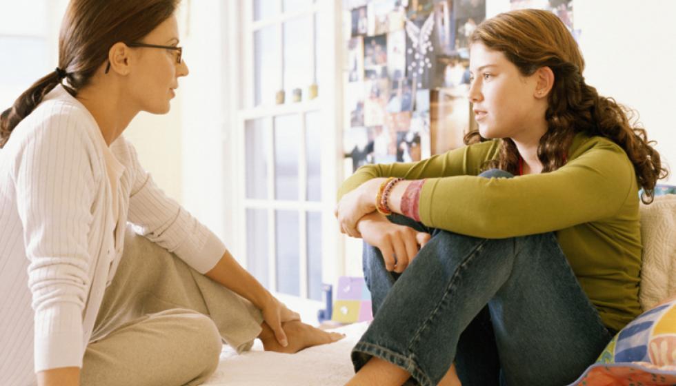 """الحوار """"الجنسي"""" مع أطفالنا بحسب المراحل العمرية"""