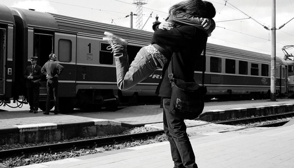 هل يصدق قول الشاعر: ما الحب الا للحبيب الأول؟