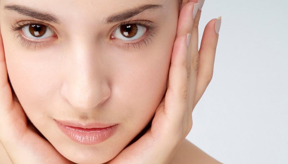 5 خلطات طبيعية لتفتيح بشرتكِ