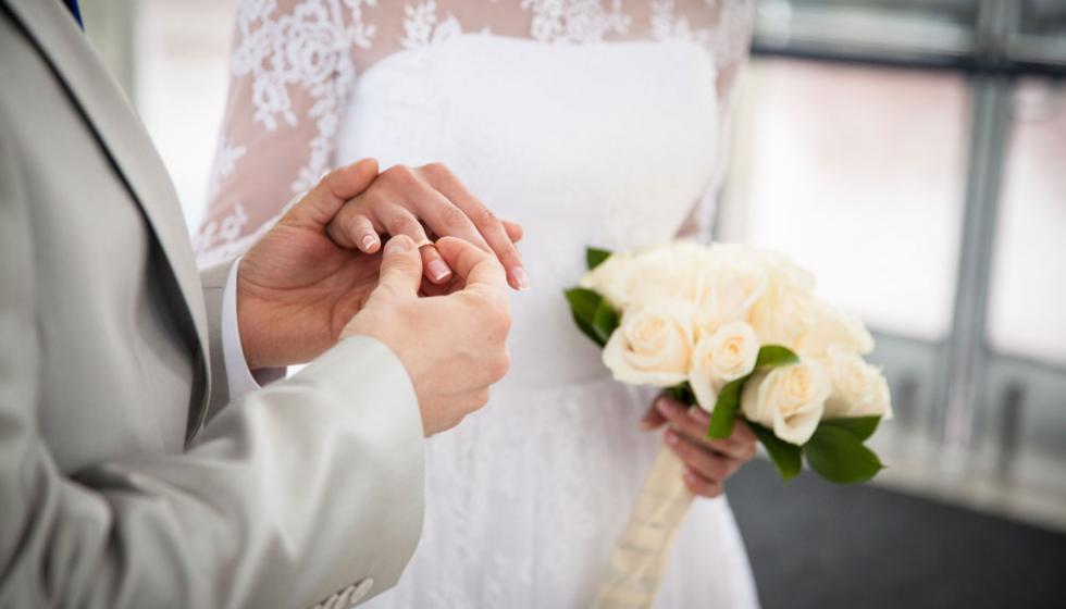 كيف تواجهان الضغط النفسـي قبــل الــزواج؟